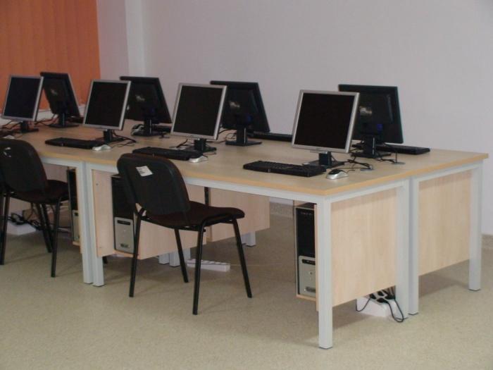 mobilier internet cafe